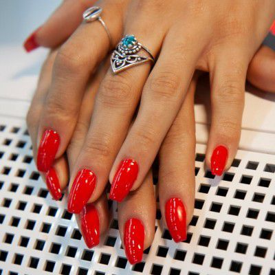The Gel Polish Andreia CC1 (Rouge Ferrari)